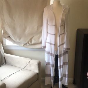 Cabi long sheer duster sweater size large 294